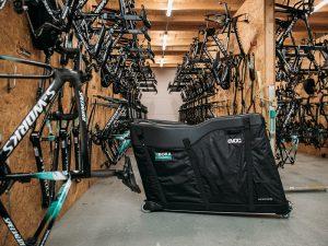 EVOC『BORA-HANSGROHE』ロードサイクリングワールドツアーチームの「トラベルラゲッジ公式サプライヤー」に。